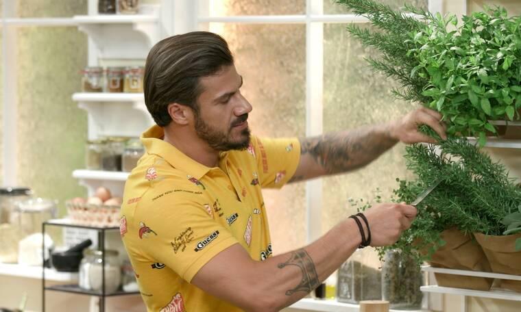 Kitchen Lab: Tι μας μαγειρεύει σήμερα ο Άκης Πετρετζίκης;