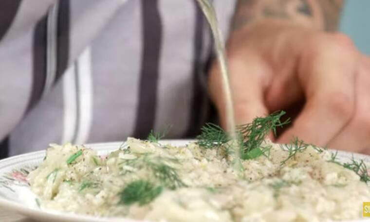 Λαχανόρυζο από τον Άκη Πετρετζίκη