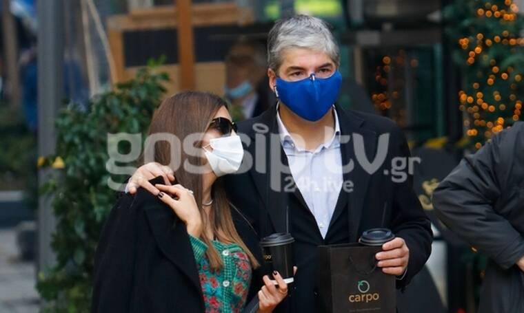 Σοφός-Τσιμτσιλή: Κοινή δημόσια εμφάνιση μετά από καιρό! Αγκαλιά στους δρόμους της Αθήνας