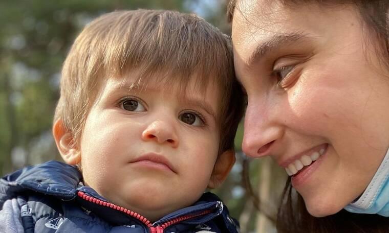 Φωτεινή Αθερίδου: «Μετακίνηση 6» με τον γιο της (pics)