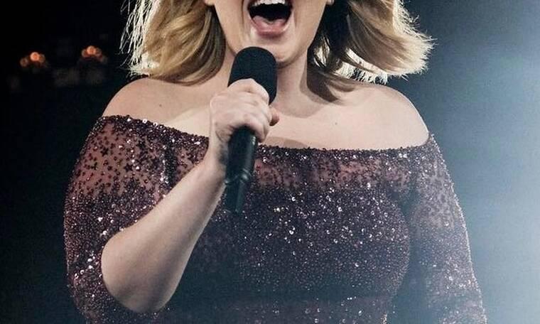 Και επίσημα χωρισμένη πασίγνωστη τραγουδίστρια! Δηλώνει ελεύθερη κι ωραία!