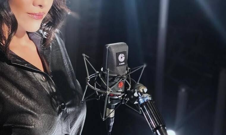 Σοκάρει η αποκάλυψη τραγουδίστριας για σκληρή παρενόχληση από γνωστό νυχτερινό επιχειρηματία