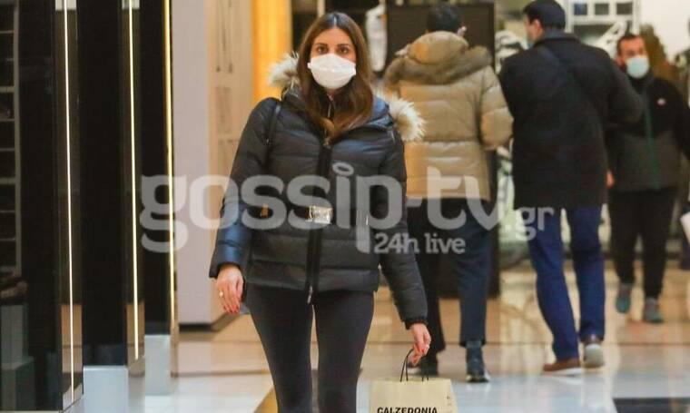 Σταματίνα Τσιμτσιλή: Άνοιξαν τα καταστήματα και βγήκε για shopping therapy!