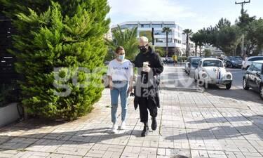 Κόνι Μεταξά – Τάσος Ξιαρχό: Στη Γλυφάδα με το απόλυτο street look!