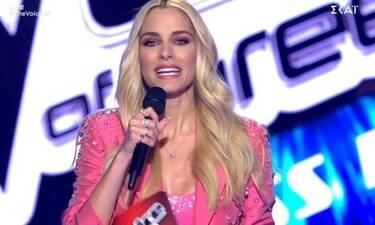 The Voice: Δεύτερη λαμπερή εμφάνιση για τη Δούκισσα Νομικού με υπέροχο ροζ κοστούμι!
