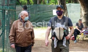 Αλέξανδρος Μπουρδούμης: Σε σπάνια έξοδο με τον πατέρα και το παιδί του!