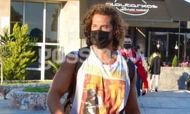 Νάσος Παπαργυρόπουλος: Με άκρως καλοκαιρινό look στην Γλυφάδα!