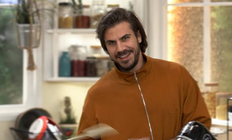 Kitchen Lab: Οι πιο αγαπησιάρικες συνταγές από τον Άκη Πετρετζίκη