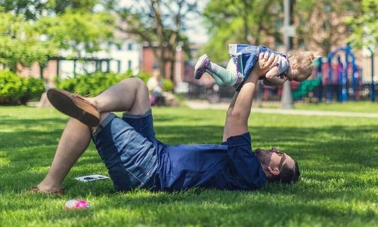Η επικοινωνία των παιδιών με τον μη έχοντα την επιμέλεια γονέα εξακολουθεί να μην προστατεύεται