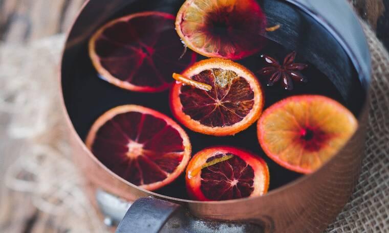 Φτιάξε το ζεστό κόκκινο κρασί της Χρηστίδου με τρία υλικά