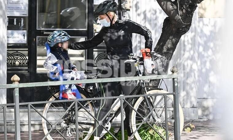 Σία Κοσιώνη - Δήμος Μπακογιάννης: Φόρεσαν τα κράνη τους και βγήκαν για ποδηλατάδα!