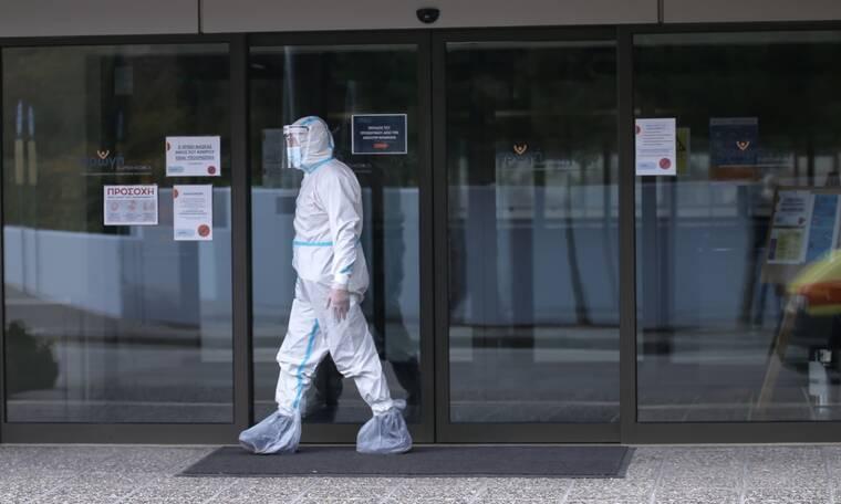 Κρούσματα σήμερα: 884 νέες μολύνσεις - 326 διασωληνωμένοι και 25 νέοι θάνατοι σε 24 ώρες