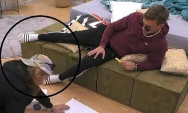 Big Brother: Οι παντόφλες του Χρήστου Βαρουξή βρέθηκαν στο House of Fame;
