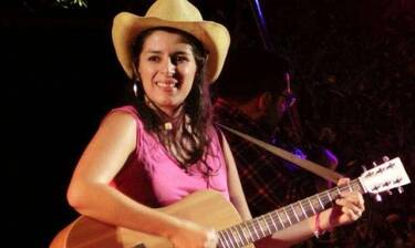 Μαρία Κηλαηδόνη: «Δεν φοβάμαι τη σύγκριση με τον Λουκιανό»