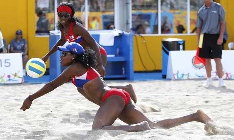 Κατάρ: Χαμός! Απαγόρευσαν τα μπικίνι – Αντιδρούν οι αθλήτριες του beach volley (photos)