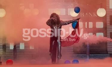 YFSF All Star: Ο Θανάσης Αλευράς έγινε η Άννα Βίσση στα... Ψεύτικα
