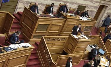 LIVE BLOG Βουλή: Η «σύγκρουση» για το ελληνικό #MeToo
