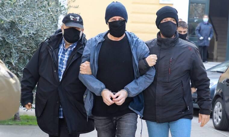 Υπόθεση Λιγνάδη: Ένα από τα θύματα απαντά «Γιατί τώρα» - Το ακλόνητο κατηγορητήριο και οι ανατροπές