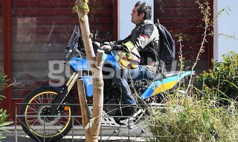 Πυγμαλίων Δαδακαρίδης: Βόλτα με τη μηχανή του στο κέντρο της Αθήνας!