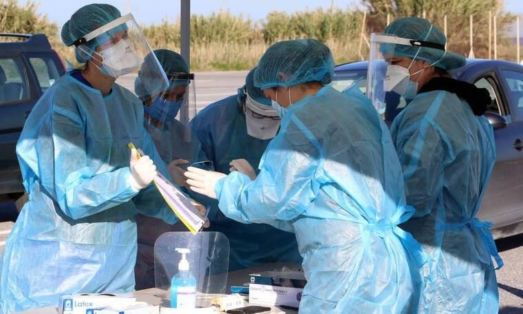 Κρούσματα σήμερα: Πάνω από 2.000 οι νέες μολύνσεις Covid-19 – Ολοταχώς για νέα μέτρα