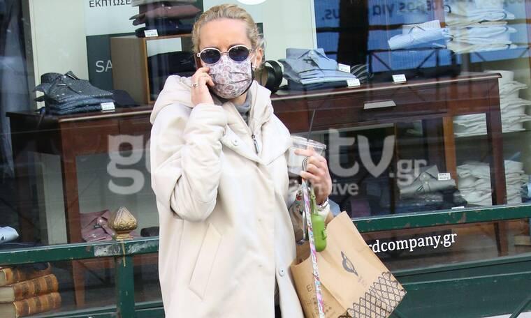 Μαρία Μπεκατώρου: Βόλτα και ψώνια στο Κολωνάκι με casual look!