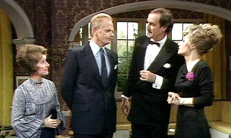 Η κλασική βρετανική κωμική σειρά «Fawlty Towers» με τον Τζον Κλιζ, μόνο στο ERTFLIX