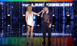 House of Fame: Το είδαμε κι αυτό! Ασυγκράτητο το ζευγάρι! Δείτε πώς ανέβηκε στη σκηνή ο παίκτης
