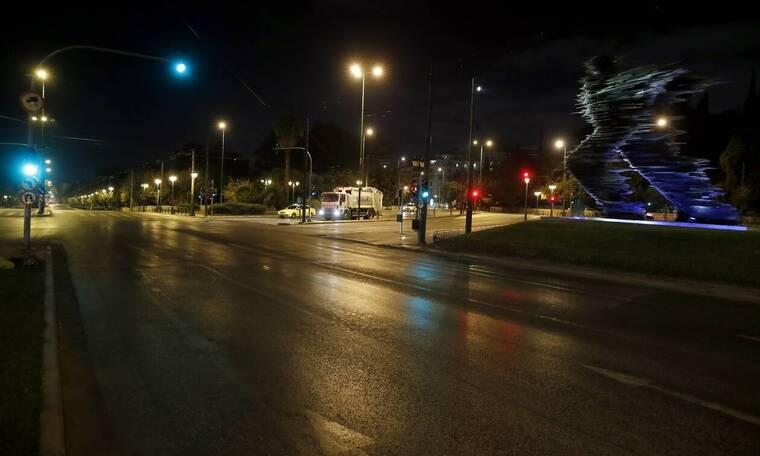 Κορονοϊός: «Άνισος αγώνας» με τις μεταλλάξεις - Γιατί αυξήθηκαν τα κρούσματα παρά το lockdown