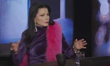 Ζωζώ Σαπουντζάκη: «Η μαμά μου δεν ήθελε να έχω επαφές με ηθοποιούς. Με κλείδωνε στο καμαρίνι»