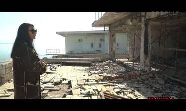 Συγκλονίζει η Σαπουντζάκη! Με δάκρυα στα μάτια στα ερείπια του σπιτιού της που κάηκε!