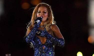 Η Rita Ora έκλεψε τις εντυπώσεις με δημιουργία του Βρεττού Βρεττάκου