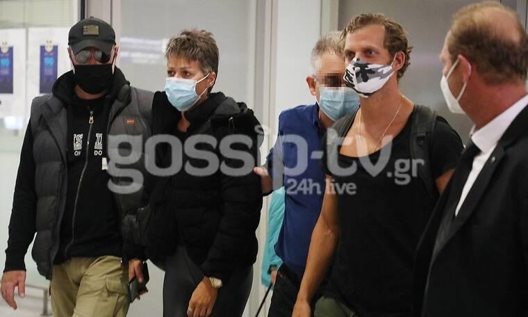 Survivor: Chris και Σοφία επέστρεψαν στην Ελλάδα - Φωτογραφίες από το αεροδρόμιο