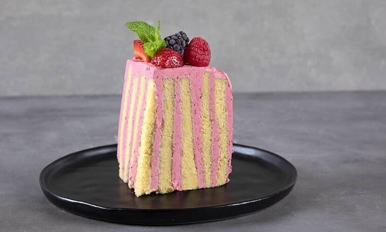 Φτιάξτε τούρτα raspberries όπως ο Άκης Πετρετζίκης!