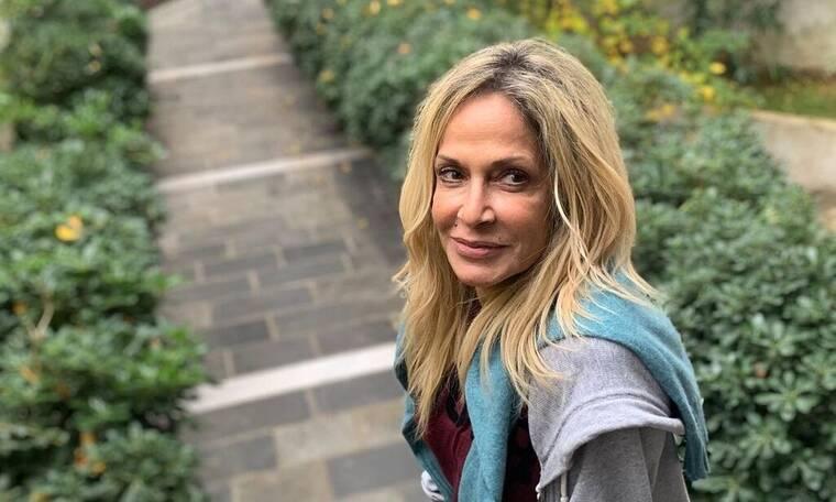 Άννα Βίσση: Πήγε στην Καλαμάτα και έκανε ποδαρικό στην πιτσαρία του Μπάμπη Στόκα
