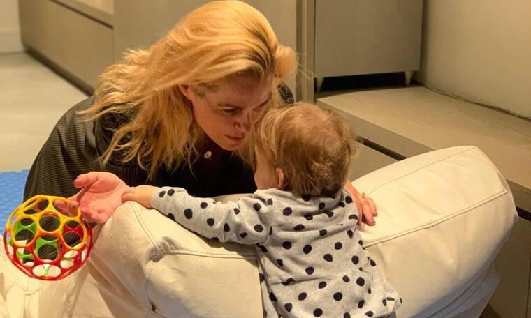 Τζένη Μπότση: Η νέα φωτό της κόρης της και το σχόλιο που μας έκανε να... λιώσουμε!