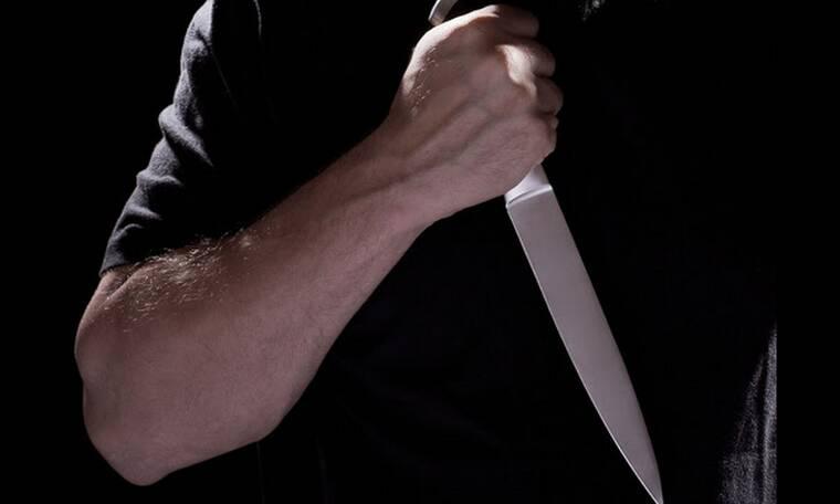 Απίστευτη περιπέτεια για παρουσιάστρια: Ο γείτονας επιτέθηκε στον αδελφό της με μαχαίρι!