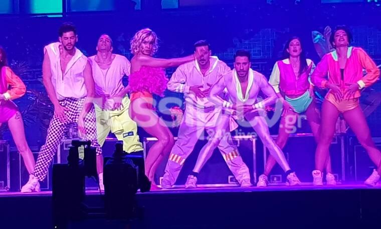 YFSF All Star: Έβαλε φωτιά στη σκηνή η Τάνια Μπρεάζου ως Bebe Rexha