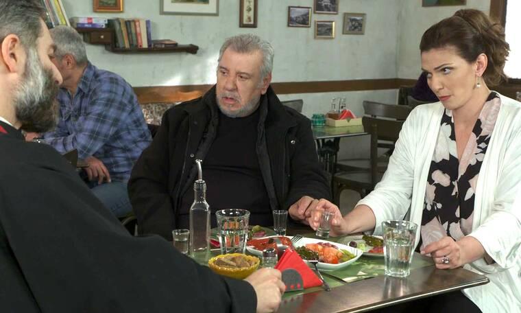 Χαιρέτα μου τον πλάτανο: Ο παπάς είναι έξαλλος με την πρώην γυναίκα του και τις απειλές της