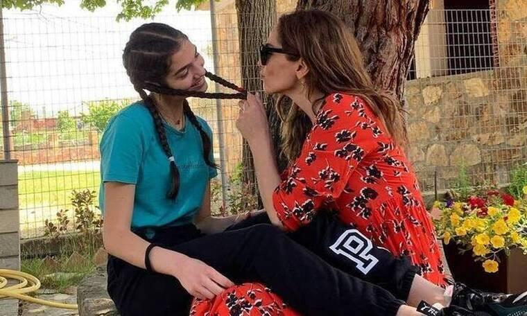Δέσποινα Βανδή: Έναν χρόνο πριν με την κόρη της, Μελίνα στο καμαρίνι της