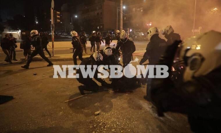 Νέα Σμύρνη: Η ώρα της απολογίας για τον «Ινδιάνο» - Αρνείται εμπλοκή στην επίθεση στον αστυνομικό