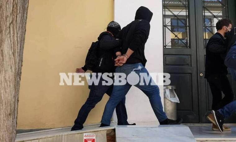 Νέα Σμύρνη: Η κατάθεση του κουνιάδου που «έδωσε» τον «Ινδιάνο» - «Ψυχικά ασταθής ο μάρτυρας»