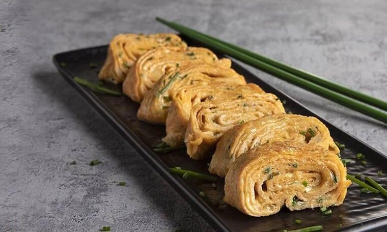 Japanese omelette από τον Άκη Πετρετζίκη