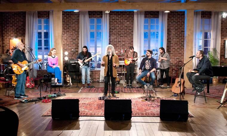 Ο Γιάννης Γιοκαρίνης & οι Χατζηφραγκέτα στο «Μουσικό κουτί» - Δείτε πρώτοι τρία υπέροχα βίντεo