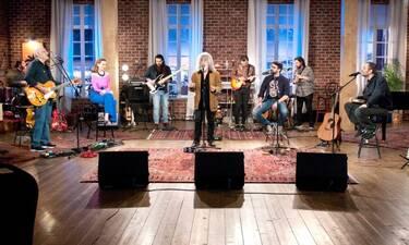 Ο Γιάννης Γιοκαρίνης και οι Χατζηφραγκέτα στο «Μουσικό κουτί»