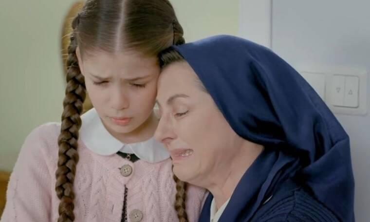 Elif: Η Χουμεϊρά βρίσκει τη μητέρατης στο πάτωμα