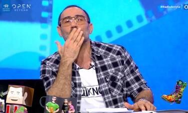 Ράδιο Αρβύλα: Η αναφορά στη Χαρούλα Αλεξίου και τα φιλιά του Αντώνη Κανάκη