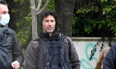 Λευτέρης Ελευθερίου: Ένας τρυφερός μπαμπάς – Με τα παιδιά του στον Εθνικό Κήπο