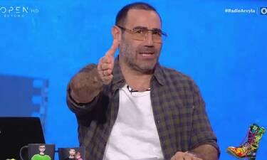Ράδιο Αρβύλα: Ο Κανάκης μας έδειξε πλάνα από τα 90s - Αγνώριστος με μακριά μαλλιά