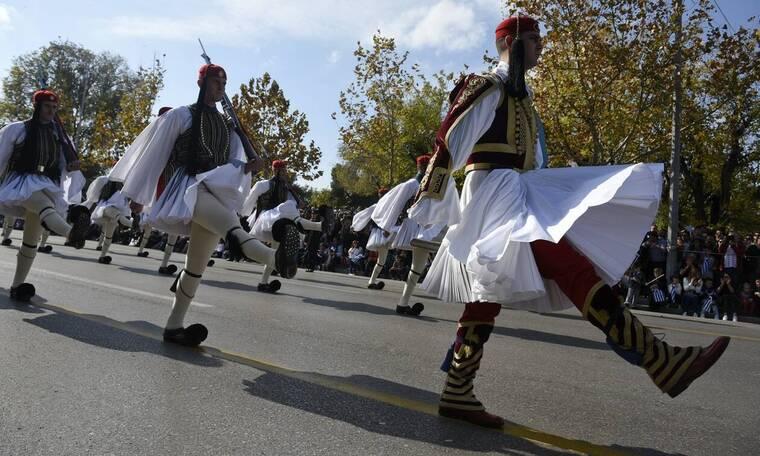 LIVE 25η Μαρτίου: Δείτε ζωντανά τη μεγαλειώδη στρατιωτική παρέλαση στο Σύνταγμα