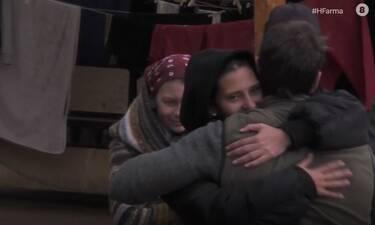 Η Φάρμα: Η συμφιλίωση της Μαρίας Μιχαλοπούλου με τον επιστάτη και η αγκαλιά